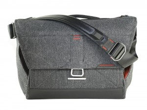 "Torba Peak Design Everyday Messenger 15"" 18L Charcoal V2 - Grafitowy"